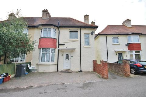 3 bedroom semi-detached house for sale - Southgate Avenue, Feltham, Surrey, TW13