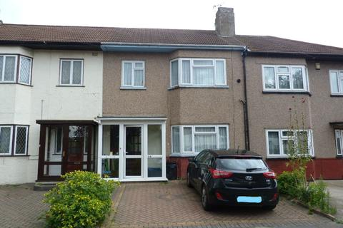 3 bedroom terraced house for sale - Leyswood Drive, Newbury Park IG2