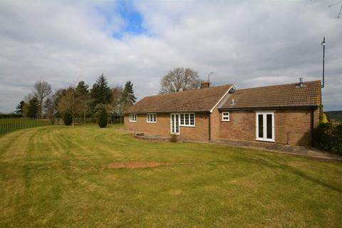 3 bedroom bungalow to rent - Adstone