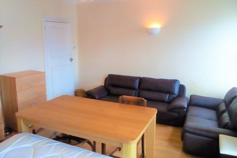 1 bedroom flat share to rent - Palace Gates Road N22