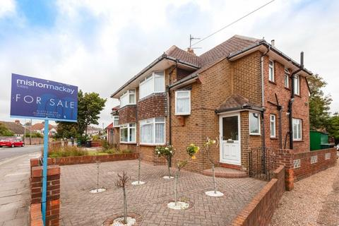 3 bedroom semi-detached house for sale - Applesham Way, Portslade, East Sussex, BN41