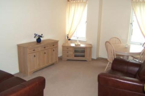 2 bedroom flat to rent - 70 Bloomfield Court, Aberdeen, AB10