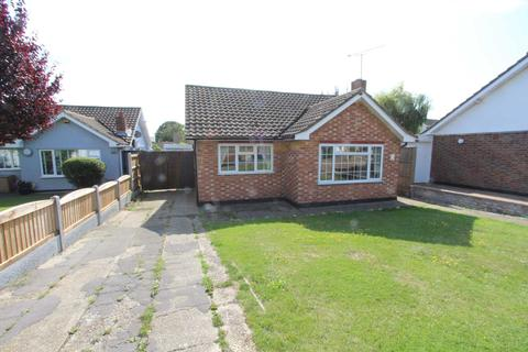 2 bedroom detached bungalow to rent - Sandown Road, Thundersley