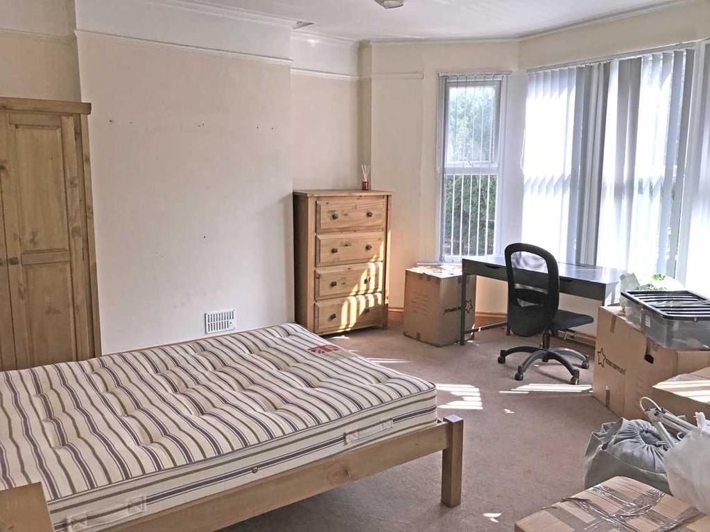 Front bedroom no. 3