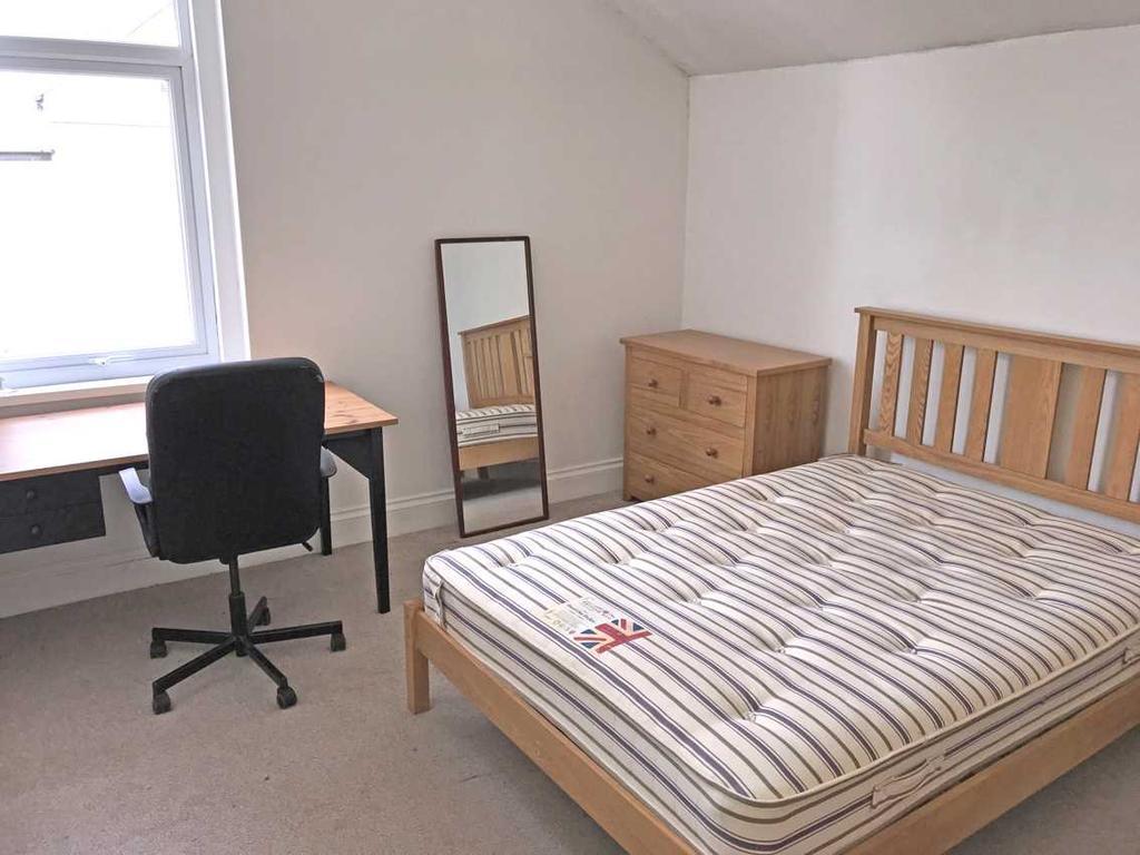 Rear bedroom no. 5
