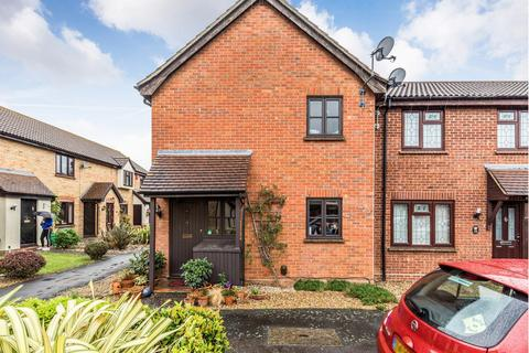 1 bedroom end of terrace house to rent - Trafford Close, Hainault, IG6