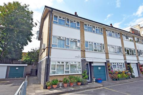 1 bedroom ground floor flat for sale - Chiswick, London