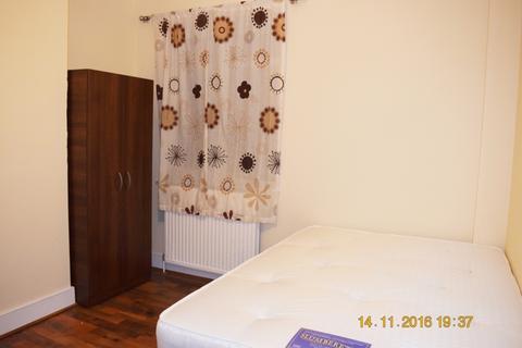 1 bedroom house share to rent - Woodside Road, Room 5,, London, N22