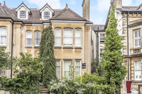 4 bedroom semi-detached house - Eldon Road, Reading, RG1