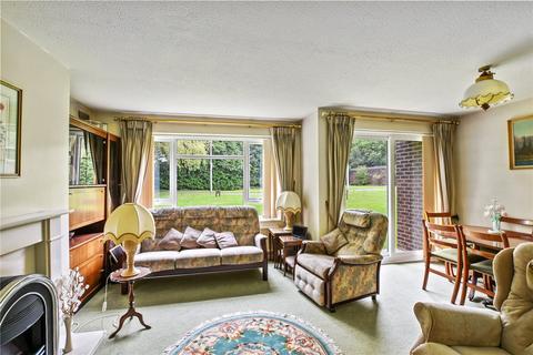 2 bedroom flat for sale - Woodlands, Malcolm Way, Snaresbrook, E11