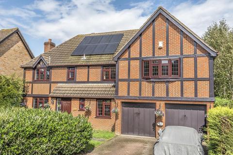 5 bedroom detached house for sale - Chatsworth Close, West Wickham
