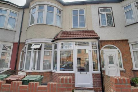 5 bedroom detached house to rent - Hainault Road, E11