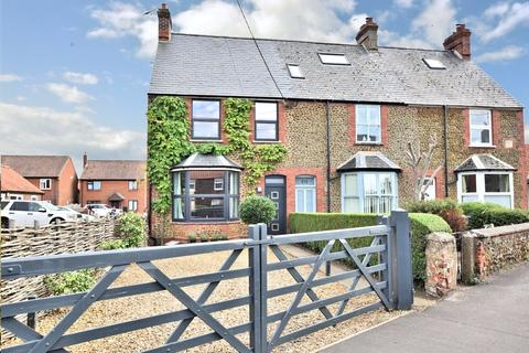 3 bedroom semi-detached house for sale - Heacham