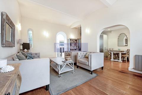 3 bedroom mews to rent - ECCLESTON SQUARE MEWS, SW1V