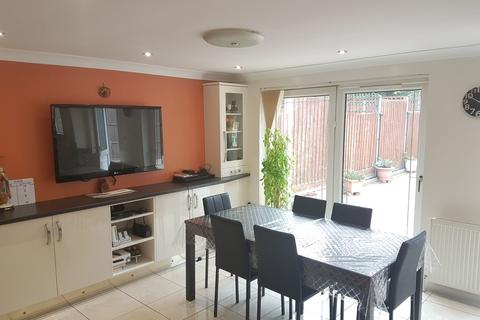 4 bedroom semi-detached house to rent - Townsend Close, Rushey Mead, Leicester