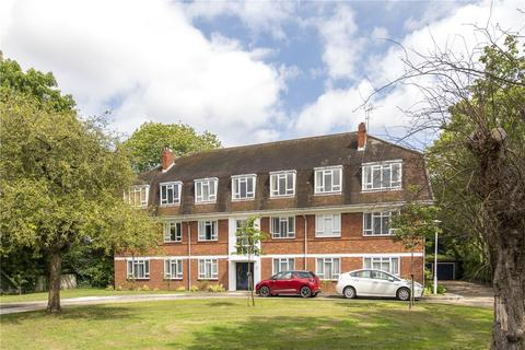 4 bedroom flat to rent - Cobb Court, Burbage Road, London, SE24
