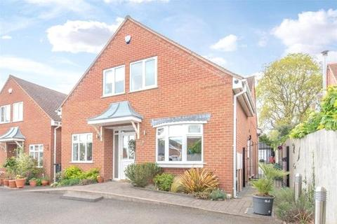 4 bedroom detached house to rent - Norton Lane, Tidbury Green, Solihull, West Midlands, B90