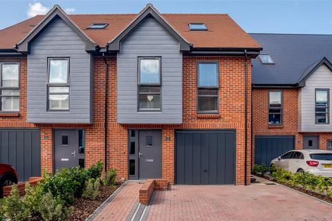 4 bedroom semi-detached house for sale - Francis Close, Thatcham, Berkshire, RG18