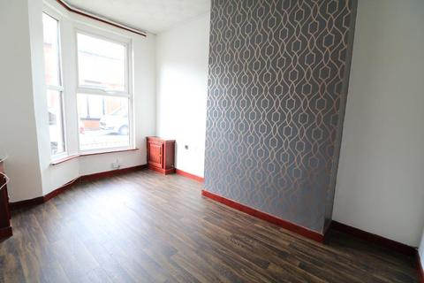 3 bedroom terraced house to rent - Spofforth Road, Wavertree, Liverpool, L7 6JS