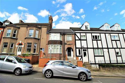 1 bedroom house share to rent - Stockwood Crescent, Luton