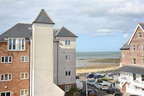 2 bedroom flat for sale - Sussex Gardens, Westgate-on-sea, Kent