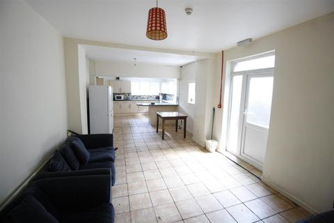 9 bedroom property to rent - Richmond Road, Cardiff