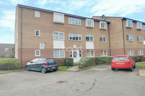 1 bedroom flat for sale - Trinity Close, Leytonstone