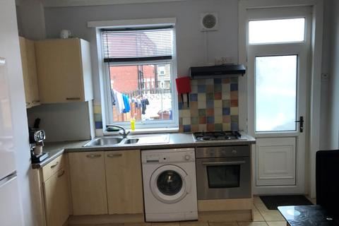 4 bedroom house share to rent - Middlesex Street, Barnsley, Barnsley, South Yorkshire, S70
