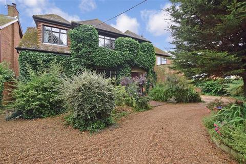 5 bedroom detached house for sale - Queenborough Road, Minster On Sea, Sheerness, Kent