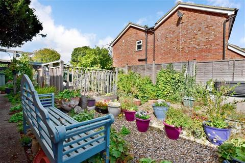 3 bedroom detached house for sale - Loampits Close, Tonbridge, Kent