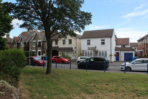 2 bedroom flat for sale - Green Road, Poole