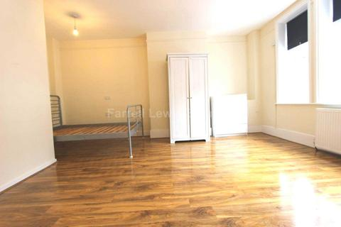 Studio to rent - Bond Street, Ealing W5