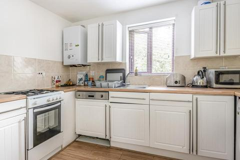 1 bedroom flat for sale - Lowestoft Drive, Burnham, SL1