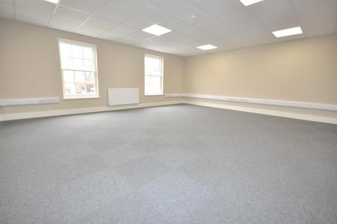 Property to rent - Market Place, Bingham, Nottingham