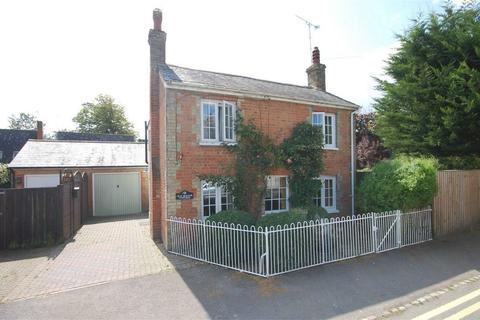 4 bedroom detached house for sale - Baker Street, Waddesdon, Buckinghamshire