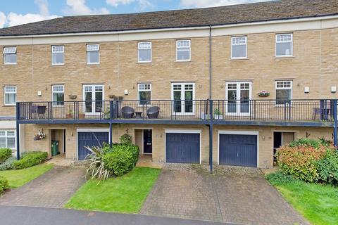3 bedroom townhouse for sale - Kingsdale Drive, Menston