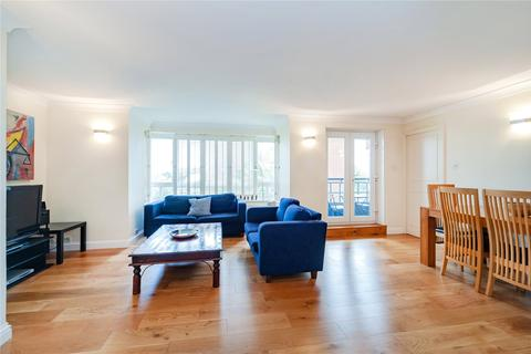 4 bedroom flat to rent - Lister Lodge, Admiral Walk, London
