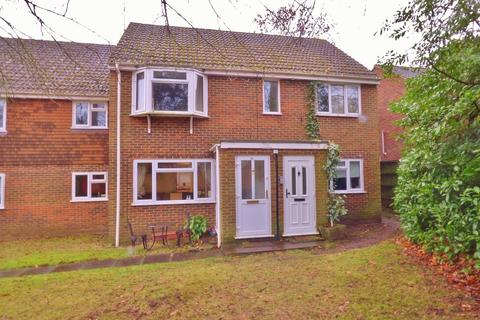 2 bedroom maisonette for sale - Waterloo Road, Crowthorne