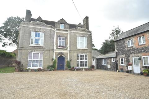 2 bedroom apartment for sale - The Old Vicarage, 35 Queensway, Mildenhall, Suffolk, IP28