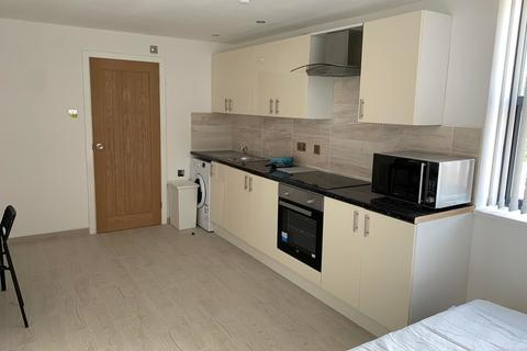 Studio to rent - Alfreton Road, Nottingham