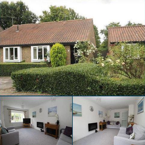 2 bedroom bungalow for sale - Burpham, Guildford