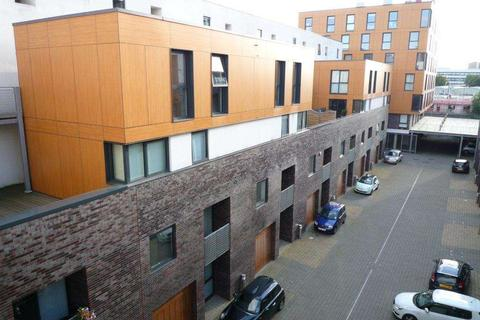2 bedroom apartment to rent - The Mews, Advent Way, New Islington, Manchester, M4 7LL