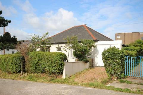 2 bedroom detached bungalow for sale - Hillcrest Road, Conwy