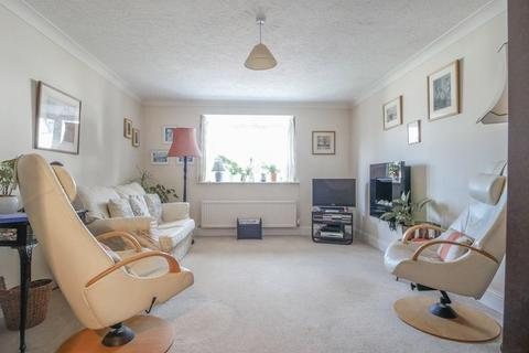 3 bedroom townhouse for sale - Bourne End
