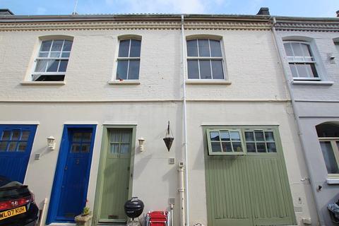 3 bedroom house to rent - Eaton Grove