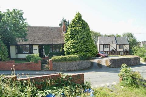 3 bedroom detached bungalow for sale - Brook Street, Rhos, Wrexham