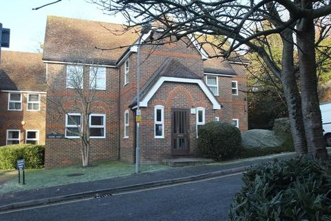 2 bedroom ground floor flat to rent - Malmers Well Road, High Wycombe