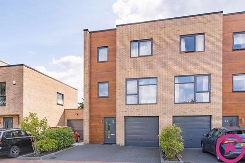 4 bedroom end of terrace house for sale - Leckhampton Place, Cheltenham