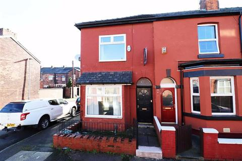 2 bedroom terraced house to rent - Sandown Street, Manchester