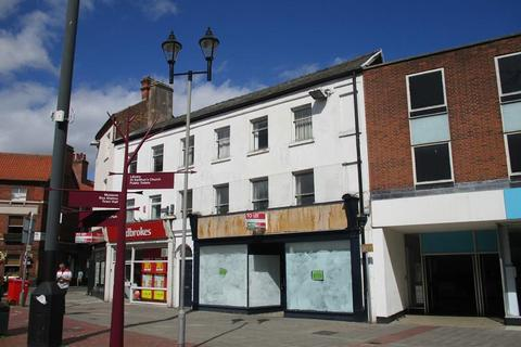 Shop to rent - 31 Market Place, Retford, Nottinghamshire, DN22 6DW